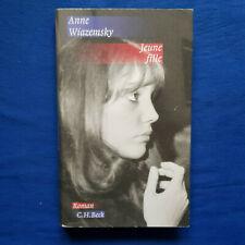 Anne Wiazemsky: Jeune fille. Roman. Auf Deutsch! Gebundene Ausgabe. Beck, 2009