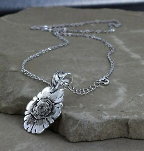 New in Box Montana Silversmiths Necklace Antqd Silver Floral Design #NC3320