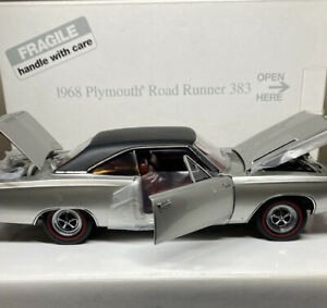 Danbury Mint 1968 Plymouth ROADRUNNER 383 1/24 Scale VERY RARE Nice Car