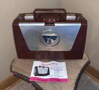 Working Zenith Portable Wave Magnet Tube AM Radio 1950's Vintage Retro M505