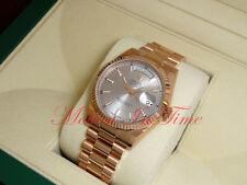 Rolex Day-Date President 36mm 18kt Rose Gold Silver Dial Fluted Bezel 118235