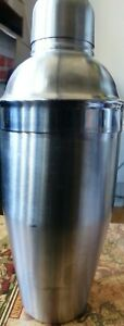 """OGGI Stainless Steel Cocktail Martini Shaker w/Strainer Drink Mixer 9-1/2"""" Tall"""