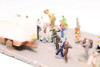 Diorama Spur N Festplatz mit Imbissbude und vielen Figuren fertig aufgebaut