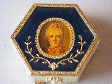 Vintage Estee Lauder Portrait Victorian Lady Figure Enamel Compact New Unused