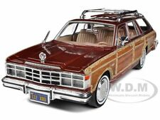 1979 CHRYSLER LEBARON TOWN AND COUNTRY BURGUNDY 1:24 MODEL CAR BY MOTORMAX 73331