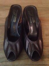 Donald J Pliner Dolly Slingback Kitten Heel Dress Shoe US 8 Made in Italy Bronze