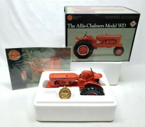 Allis-Chalmers Model WD Narrow Front Tractor #2 Precision Classic By Ertl 1/16