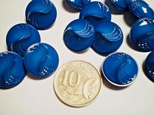 25 ROYAL BLUE BUTTONS SIZE 18mm