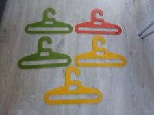 lot 5 cintres plastique couleur Ingo Maurer porte manteau cintre vintage deco