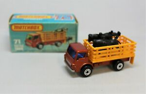"""Matchbox Lesney Superfast No71 DODGE CATTLE TRUCK with """" BLUE GLASS SILVERBASE """""""