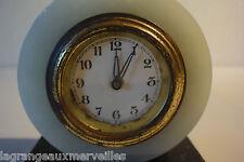 C38 Ancienne horloge avec pied en marbre noir