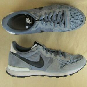 Nike Internationalist 631754 US 8.5 Men Sneaker