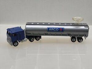 Hot Wheels Steering Rigs ~ Blue Kenworth Cabover & Grey ARCO Tanker ~ Very Nice