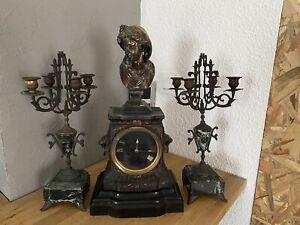 Pendule En bronze et marbre Carrier-Belleuse