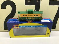Athearn Ho Scale Reading 4 Window Caboose RD #92890 RTR New