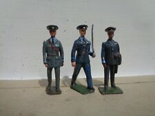 Britains 2073, lot of 3 RAF officers hollowcast ww2 lead soldiers, airforce, JL