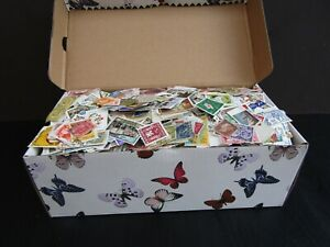 HUGE COLLECTION OF STAMPS IN OLD BOX - MUCH VINTAGE - ALL PERIODS- EST 12,000+