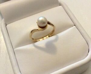 Lovely Ladies Vintage Solid 9 Carat Gold Cultured Pearl Ring - Small Fit  i 1/2