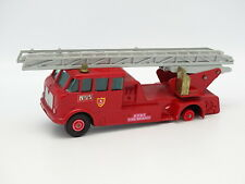 Matchbox 1/55 - Merryweather Fire Engine Pompiers