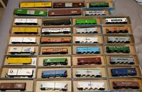 ATHEARN 34 PIECES HO SCALE TRAIN LOT WITH HOPPERS BOXCARS PASSENGERS