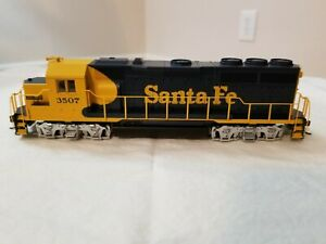 Bachmann EMD GP40 Santa Fe DCC Equipped Locomotive