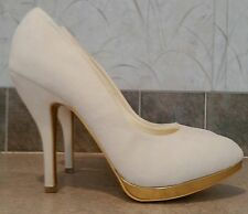 ShoeDazzle Della Cream Velvet High Heel Classic Pumps Heels Stilettos  9.5 / 10