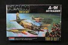 YG010 MONOGRAM 1/48 maquette avion 5454 A-1H Skyraider NAM Tour of Duty