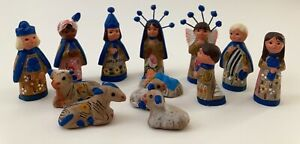 13 Piece Vintage Mexican Tonala Blue Floral Hand Painted Clay Nativity Set