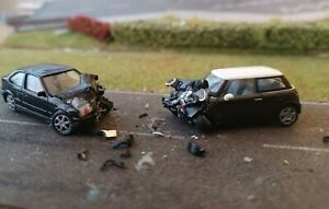 Unfall H0, Feuerwehr 1:87,Unfallmodell,Polizei 1:87,RTW 1:87,ADAC 1:87,(14)
