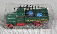 BREKINA 37143 (H0, 1:87) Hanomag L 28 Plataforma Fendt Tractor Con Carga Nuevo