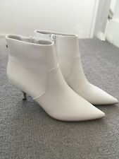 Steve Madden White Rome Boots Size 6.5M UK 4.5 Eur 37 Pointed Toe Low Heel NEW
