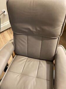 Ekornes stressless recliner, admiral size M, signature base, grey Paloma leather