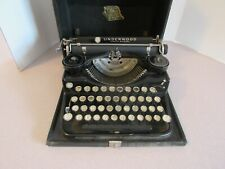 Vintage Underwood Portable Typewriter with Original Case.