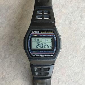Cool Vintage 1982 Casio Alarm Chrono Watch Water Resist New Battery 248 W-26 B-V