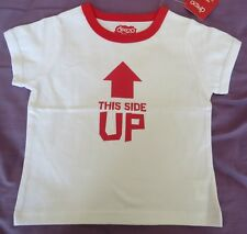 """NEW Deezo Brand Boys White """"This Side Up"""" T-Shirt - Size 2 - Exc Quality"""