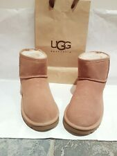 Original/ ugg uggs boots size 4 or eu 37. In a tan colour. NEW.