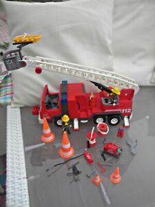 Playmobil Feuerwehr Leiterwagen mit Blinklicht Figuren und viel Zubehör TOP