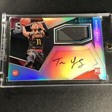 TRAE YOUNG 2018 PANINI SPECTRA #104 AUTO PATCH REFRACTOR ROOKIE RC #D /299 NBA
