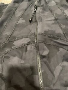 NWT auth lululemon define jacket in Heritage Camo size 4. in wrapper!