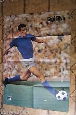 MAXIPOSTER=GIGI RIVA (ITALIA) = CM 70X100=IL CAMPIONE DELLA SETTIMANA=1972