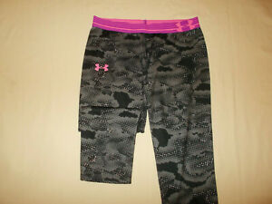 UNDER ARMOUR BLACK PRINT FITTED CAPRI PANTS WOMENS LARGE EXCELLENT CONDITION