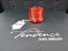Un rojo y oro Tendence anillo de vidrio dicroico. tamaño de Reino Unido N --- US 6.75 (69)