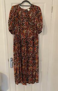 H&M Floral Calf-length Dress Size M