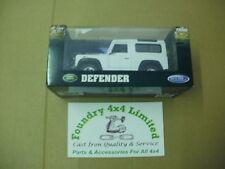 Land Rover Defender 90 Model Car White  BAG906