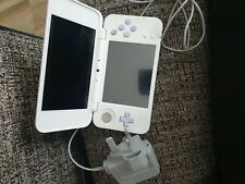 NINTENDO 2DS XL WHITE AND LAVENDER