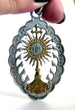 ANTIQUE FRENCH MEDALLION SUPERB MONSTRANCE OPENWORK TWO TONES . VISIT MY STORE