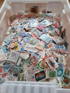 World Stamps - off-paper - early to modern - 1000+ stamps