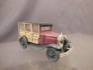 HO SCALE CUSTOM WEATHERED LAYOUT VEHICLE FORD MODEL A WOODY RED BV178