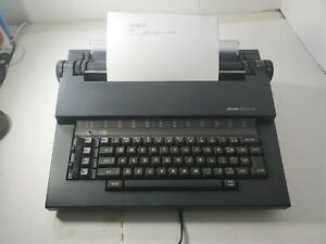 Olivetti Praxis 35 Electronic Typewriter ~ Hard Carry Case plus extras!