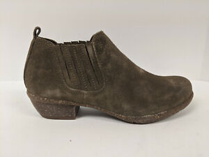 Clarks Wilrose Jade Ankle Bootie, Olive Suede, Womens 6.5 M